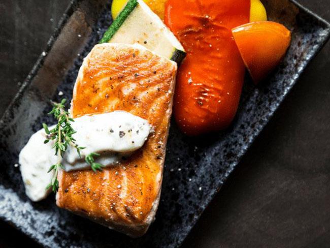 Bổ sung cá vào bữa ăn 3 lần/tuần, đẩy lùi ngay 7 căn bệnh nguy hiểm này - 1