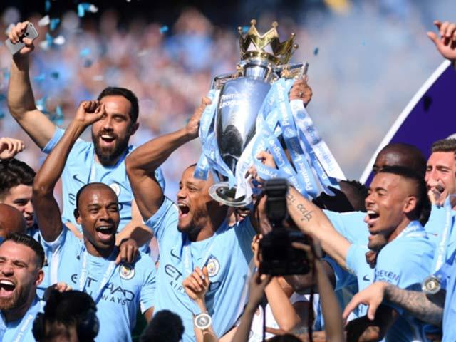 Man City - Pep vô địch 100 điểm: Muốn vĩ đại, hãy bảo vệ thành công danh hiệu