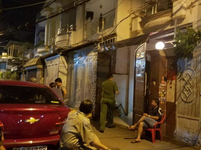 """Nóng: Hàng chục cảnh sát vây bắt nghi can đâm chết """"hiệp sĩ"""" ở Sài Gòn"""