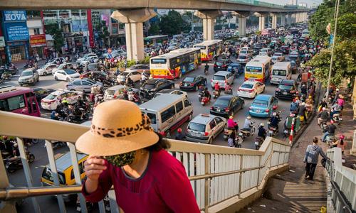 Mức độ ô nhiễm không khí ở Hà Nội vượt tiêu chuẩn WHO - 1