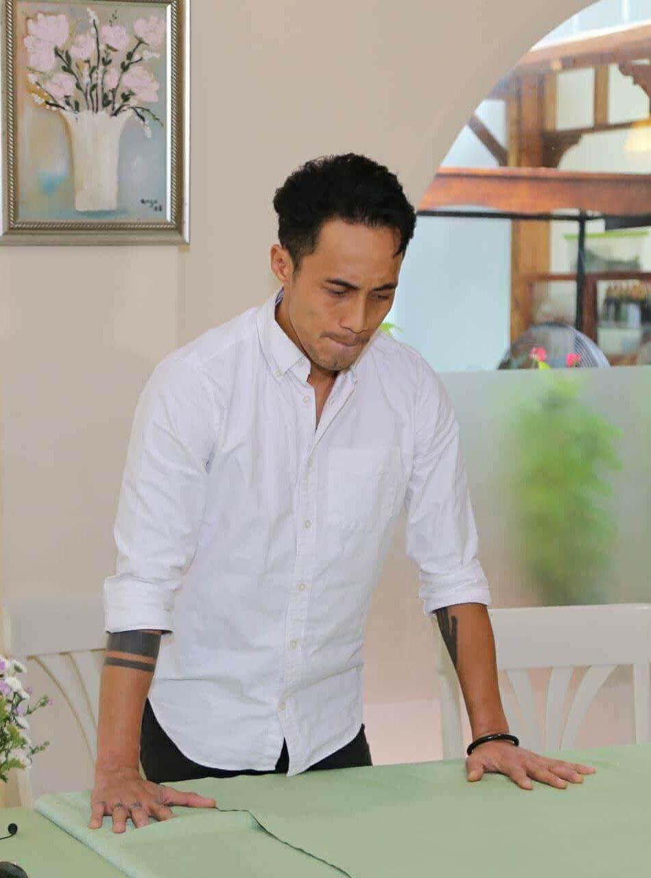 Phạm Anh Khoa nấc nghẹn xin lỗi Phạm Lịch, vợ con trong họp báo chớp nhoáng - 1