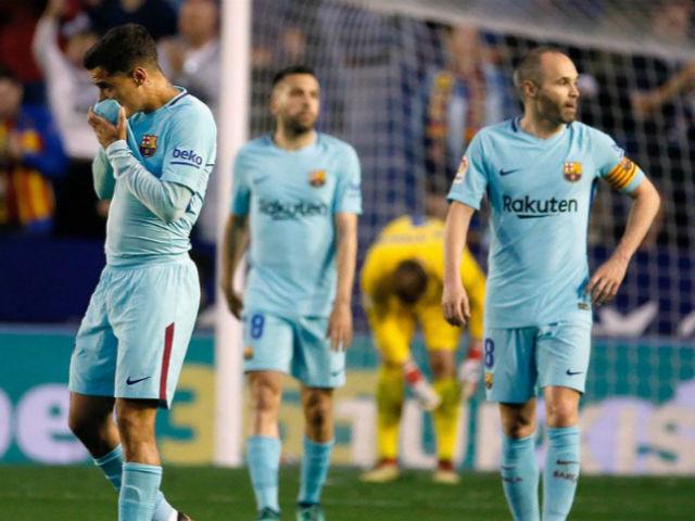 Barca thua 5 bàn/trận: MU thừa cơ chọc tức, Messi nổi cơn thịnh nộ