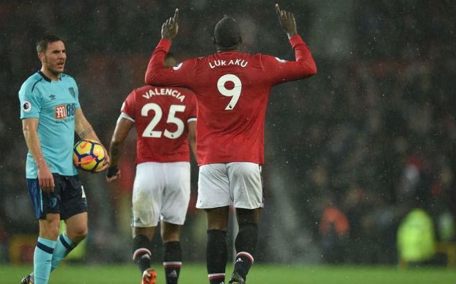Lukaku chấn thương, hàng công MU vô dụng: Mourinho lấy gì đấu Chelsea? - 1