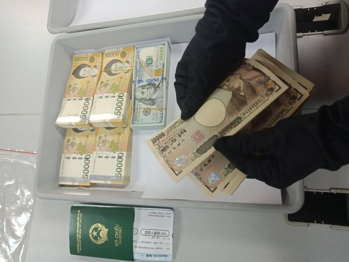 Bí mật trong hành lý của vị khách nữ ở sân bay quốc tế Tân Sơn Nhất - 1
