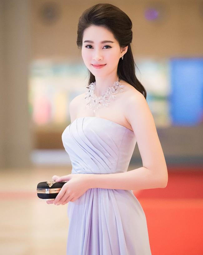 Cô được coi là nàng thơ của nhiều nhà thiết kế Việt.