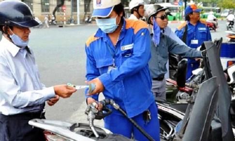 """Tăng thuế môi trường với xăng: Giá mớ rau cũng sẽ """"leo thang""""? - 1"""