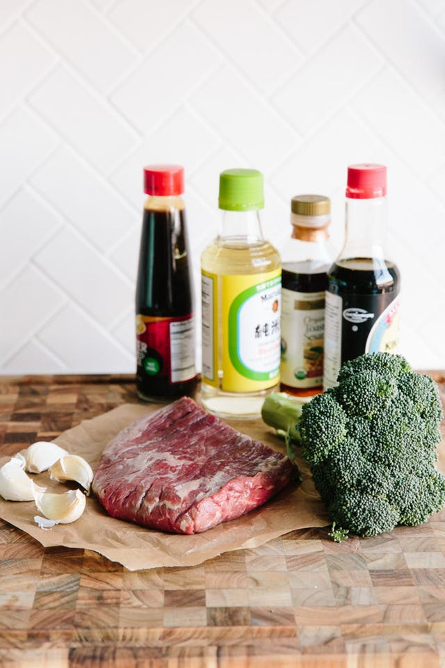 """Thịt bò xào súp lơ xanh, tiên dược cải thiện chất lượng """"chuyện ấy"""" cho nam giới - 1"""