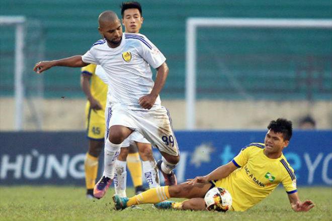 Căng thẳng cuộc chạy trốn top cuối V-League 2018 - 1