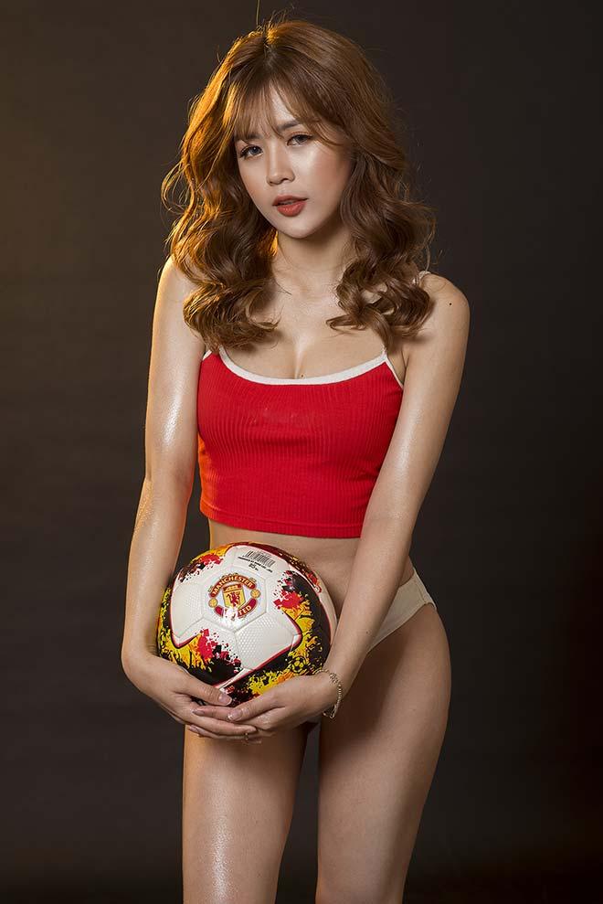 Dàn hot girl MU nóng bỏng dự đoán số phận Mourinho ở chung kết FA Cup - 1