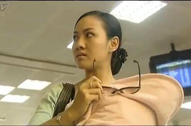 Luôn được biết đến là nữ BTV thời sự có tiếng tại Đài truyền hình Việt Nam, thế nhưng, ít ai biết rằng, từ 13 năm trước, BTV Hoài Anh đã để lại nhiều ấn tượng bằng vai diễn tội phạm ma túy trong bộ phim truyền hình Đô la trắng của đạo diễn Trần Cảnh Côn.