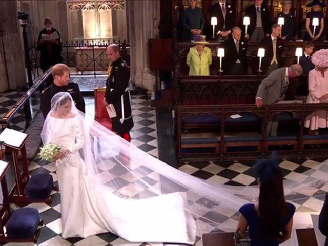 Váy cưới hàng chục tỷ đồng của tân công nương Anh