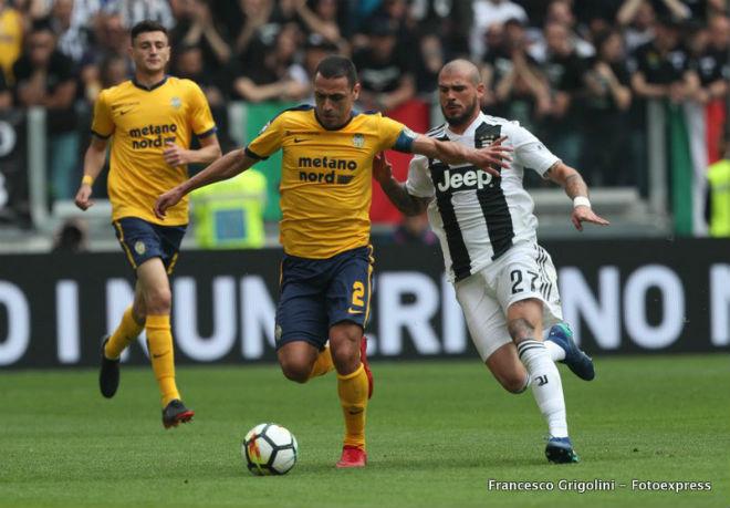 """Juventus - Hellas Verona: Hiệp 2 bùng nổ, """"tặng quà"""" cho Buffon - 1"""