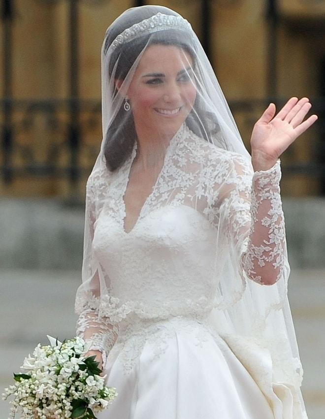 """Váy cưới của 2 công nương nước Anh, """"mỗi người một vẻ, mười phân vẹn mười"""" - 1"""