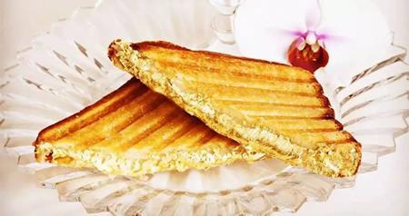 Bánh sandwich đắt nhất hành tinh: ăn 1 miếng, miệng dát vàng - 1