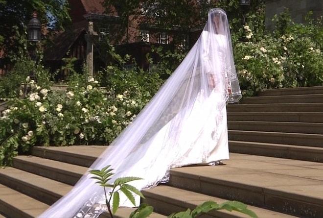 Bí mật váy và nhẫn cưới của tân công nương Anh - 1