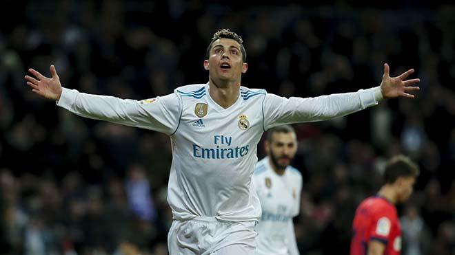 """Chung kết C1: """"Chúa tể"""" Ronaldo 8 mùa 50 bàn, Salah cách """"triệu năm ánh sáng"""" - 1"""