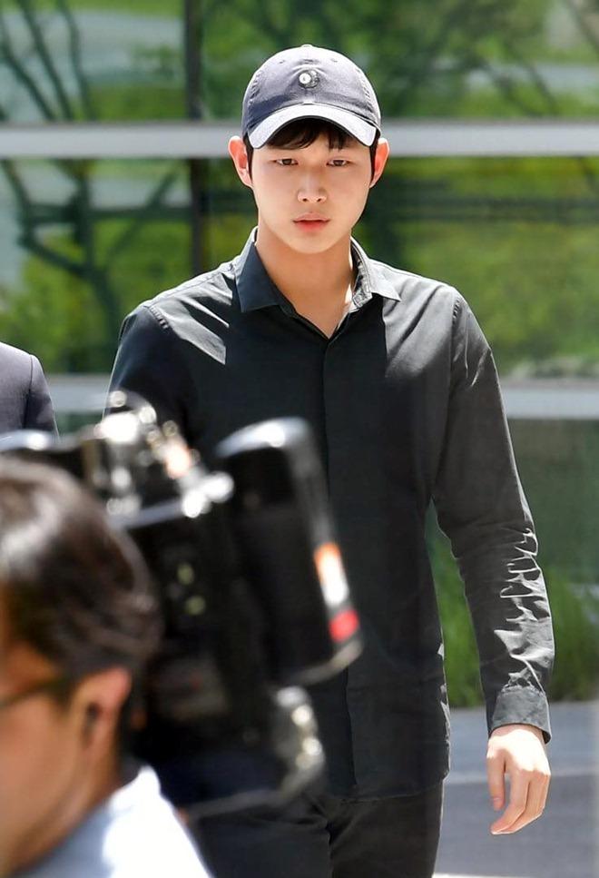 Tài tử Hàn 21 tuổi hầu tòa sau bê bối quấy rối tình dục, dùng dao đe dọa sao nữ - 1