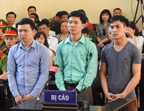 Xét xử Hoàng Công Lương: Nữ kiểm sát viên xinh đẹp xin lỗi luật sư và bị cáo - 1
