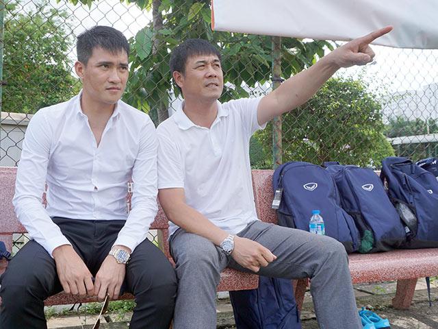 """HLV Hữu Thắng làm sếp: Học """"đàn em"""" Công Vinh, không đá lấn sân Miura"""