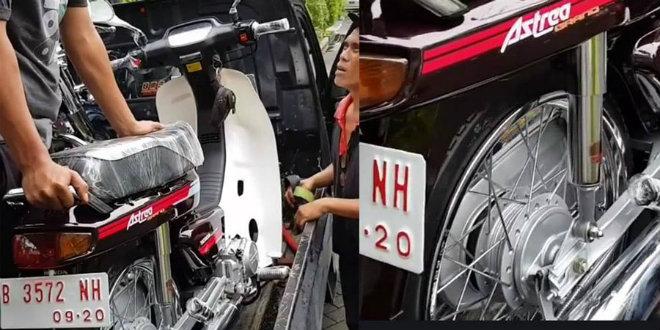 Xuất hiện Honda Dream 1991 chưa đổ xăng giá 128 triệu đồng - 1