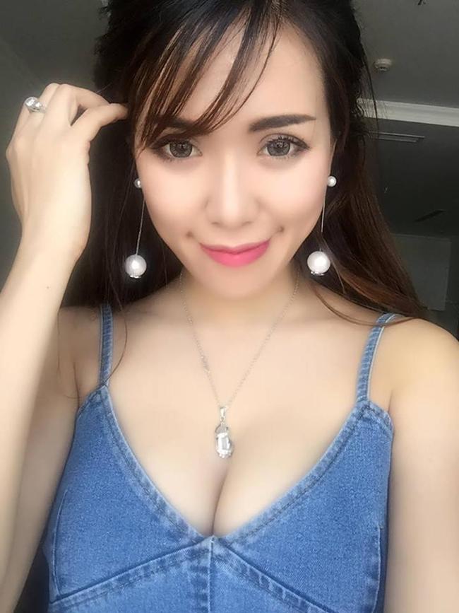 Bên cạnh đó, cô cũng đầu tư vào lĩnh vực làm đẹp và hướng tới hình ảnh một nữ doanh nhân xinh đẹp, thành đạt.