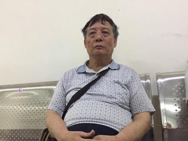 Cháy chung cư: Cụ ông kể thời điểm cùng vợ mắc kẹt hơn 1h trong nhà