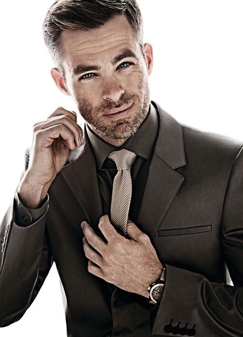 """""""Thuyền trưởng"""" Chris Pine: Từ cậu bé quê mùa đến quý ông của những bộ suit - 1"""