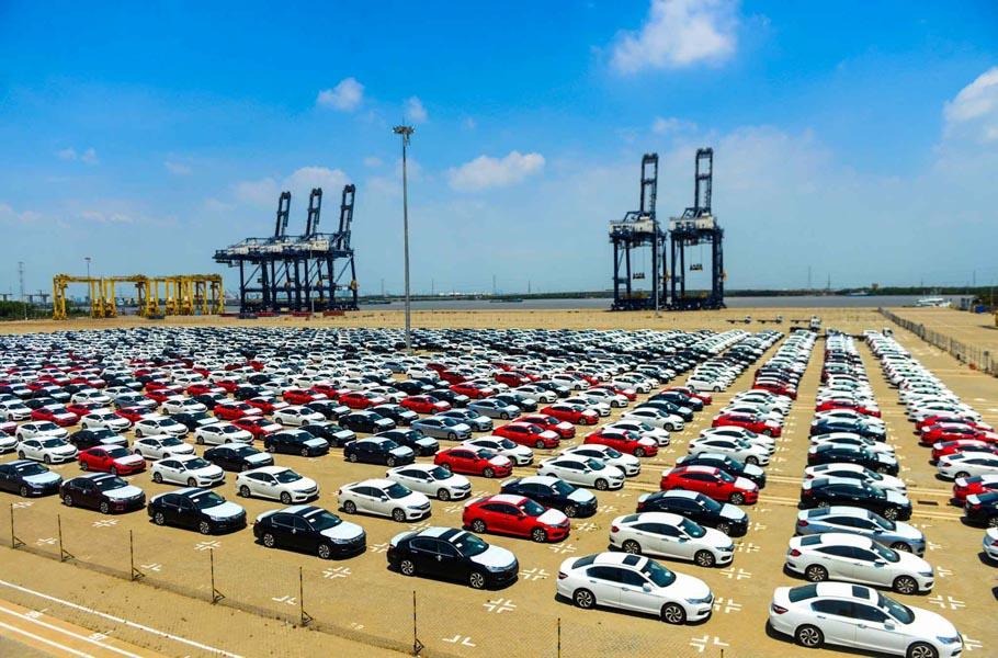 Có 939 chiếc ô tô nhập khẩu về Việt Nam trong tuần qua; chủ yếu là từ Thái Lan - 1