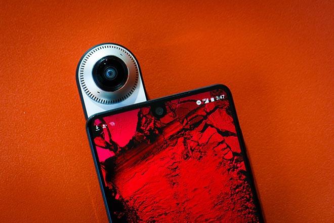 Andy Rubin sẵn sàng bán Essential Products, Essential Phone 2 tan vào mây khói - 1