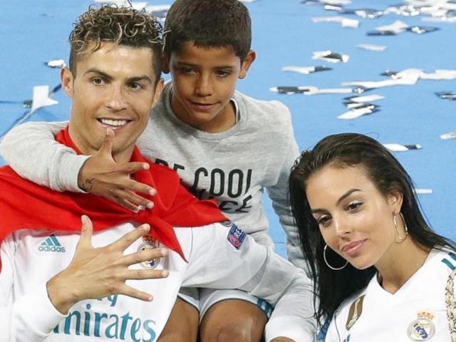 Ronaldo & dàn sao Real áp đảo đội hình hay nhất cúp C1, Messi cô độc