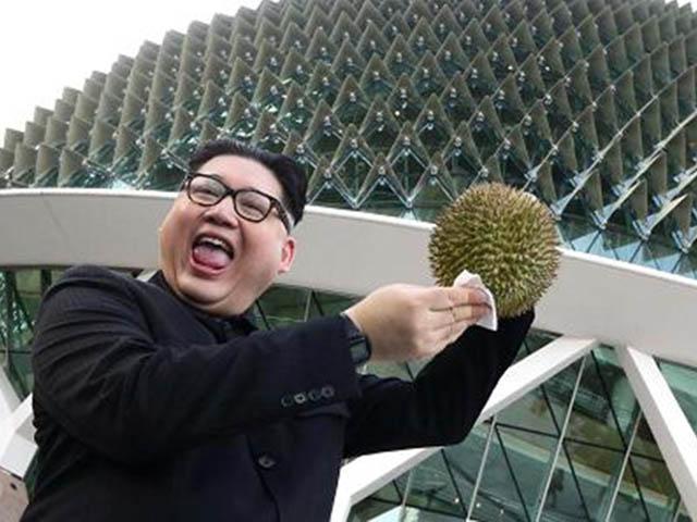 """Phát hiện Kim Jong Un """"nhái"""" chụp ảnh selfie tại Singapore"""