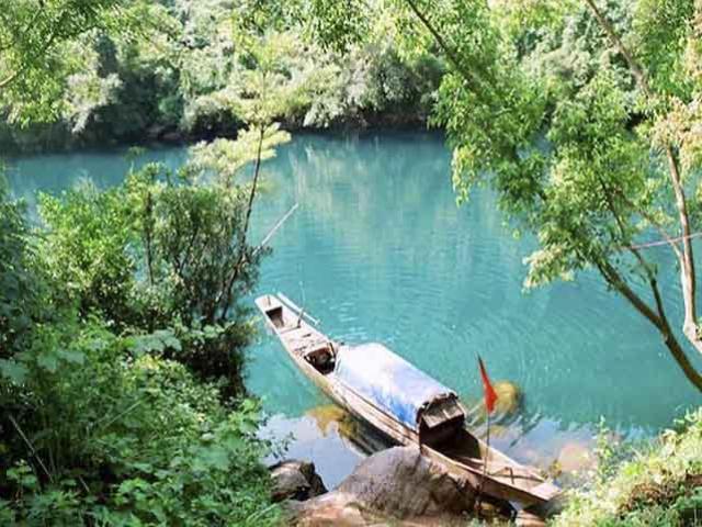 Về Quảng Bình khám phá những hang động nổi tiếng thế giới