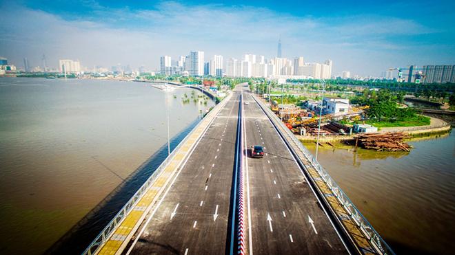 """Thông xe cầu qua đảo Kim Cương, người Sài Gòn trút bỏ ám ảnh ở cung đường """"tử thần"""" - 1"""