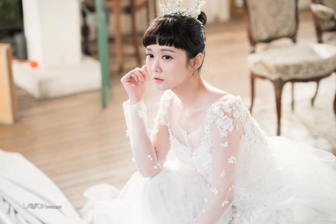 U40 Jang Nara khoe nhan sắc trẻ như thiếu nữ khi diện váy cưới - 1