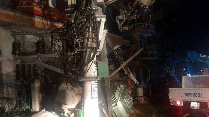 Tai nạn kinh hoàng, 2 người tử vong, toàn đảo Cát Bà mất điện - 1