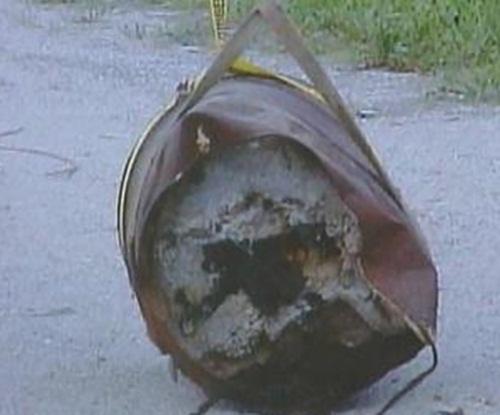 Bí mật trong thùng sắt hé lộ sự thật kinh hoàng sau vụ mất tích bí ẩn 23 năm - 1