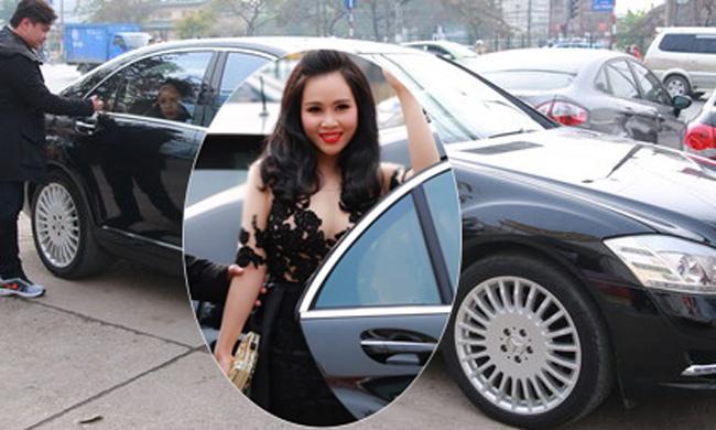 Người đẹp từng gây chú ý khi đi xế sang 8 tỷ đồng tới sự kiện.