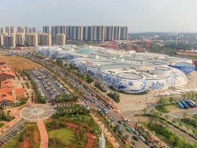 Toàn cảnh kiến trúc tòa nhà sứ lớn nhất thế giới.