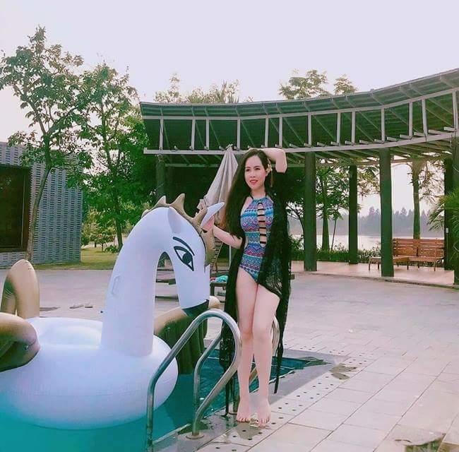 Trương Phương trong chuyến nghỉ dưỡng gần đây.
