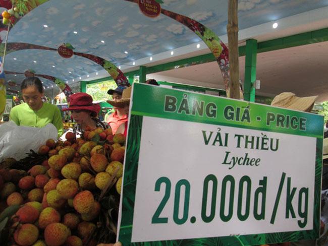 Trung Quốc trúng mùa, trái vải Việt Nam rớt giá sớm - 1