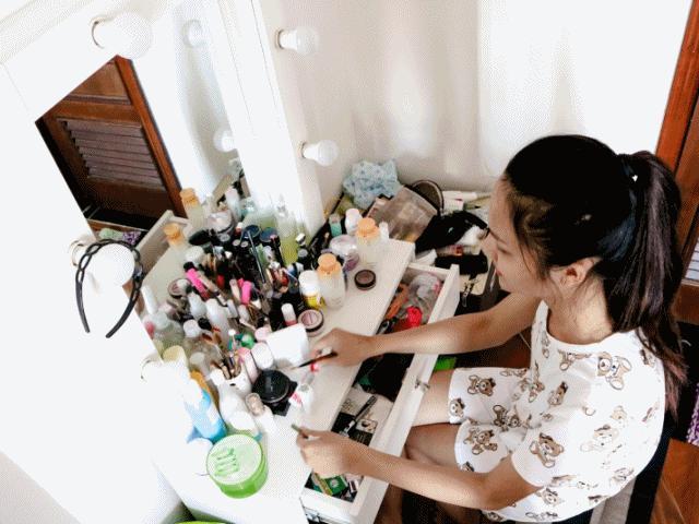 Một ngày của Hoa hậu chuyển giới đầu tiên Việt Nam