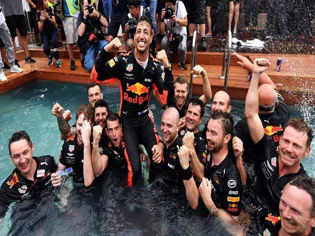 """Đua xe F1: Sức mạnh của """"Bò húc"""" và cơn khát của """"Người tuyết"""""""