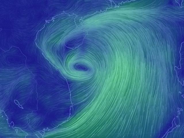 Nguy cơ hình thành bão kép, nhiều tỉnh miền Trung cấm biển