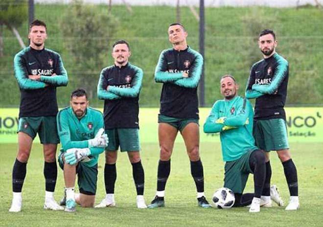 Ronaldo vênh mặt khoe cơ đùi, sẵn sàng tranh vàng World Cup - 1