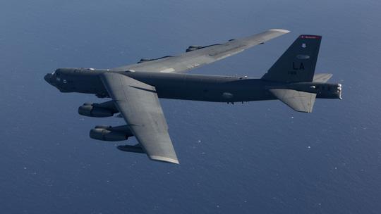 Mỹ điều máy bay ném bom B-52 đến gần Trường Sa - 1