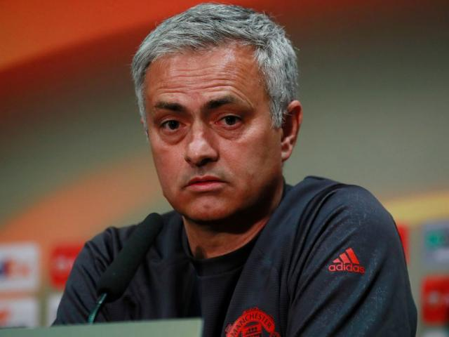 MU vung tiền siêu cải tổ: Còn Mourinho đừng mơ danh vọng