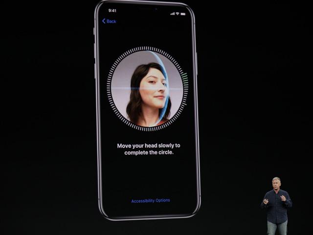 Kể từ iOS 12, nhiều khuôn mặt khác nhau có thể cùng mở khóa 1 chiếc iPhone?
