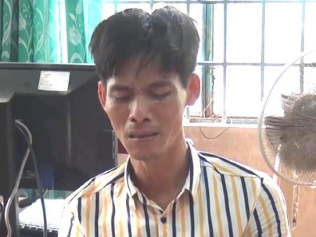 """Gã """"giang hồ thứ thiệt"""" bật khóc khi bị phát hiện tàng trữ ma túy đá"""