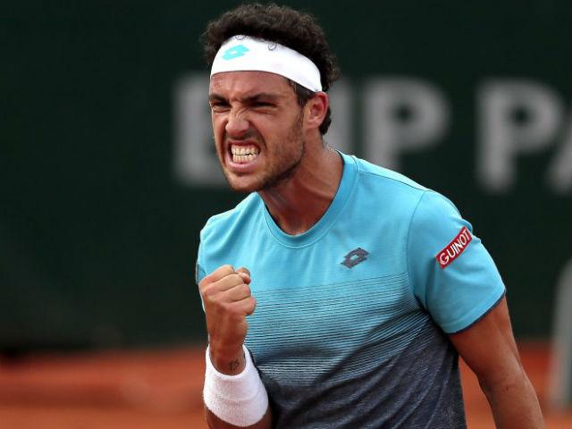 """Chấn động Roland Garros: """"Ngựa ô"""" bỏ nhỏ thần sầu, cựu vương Djokovic quy hàng"""