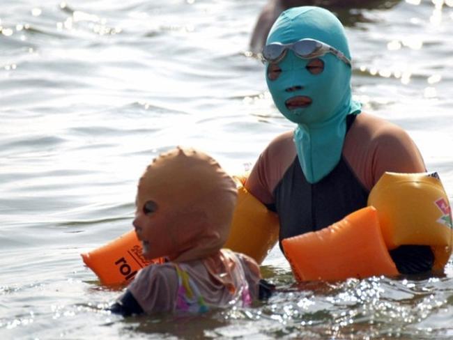 """Đi biển cũng phải theo phong cách """"ninja""""."""